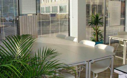 Arredamento sala Bologna: ufficio temporaneo, arredo e vantaggi